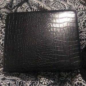 Will trade Gator Estée Lauder makeup traveling bag